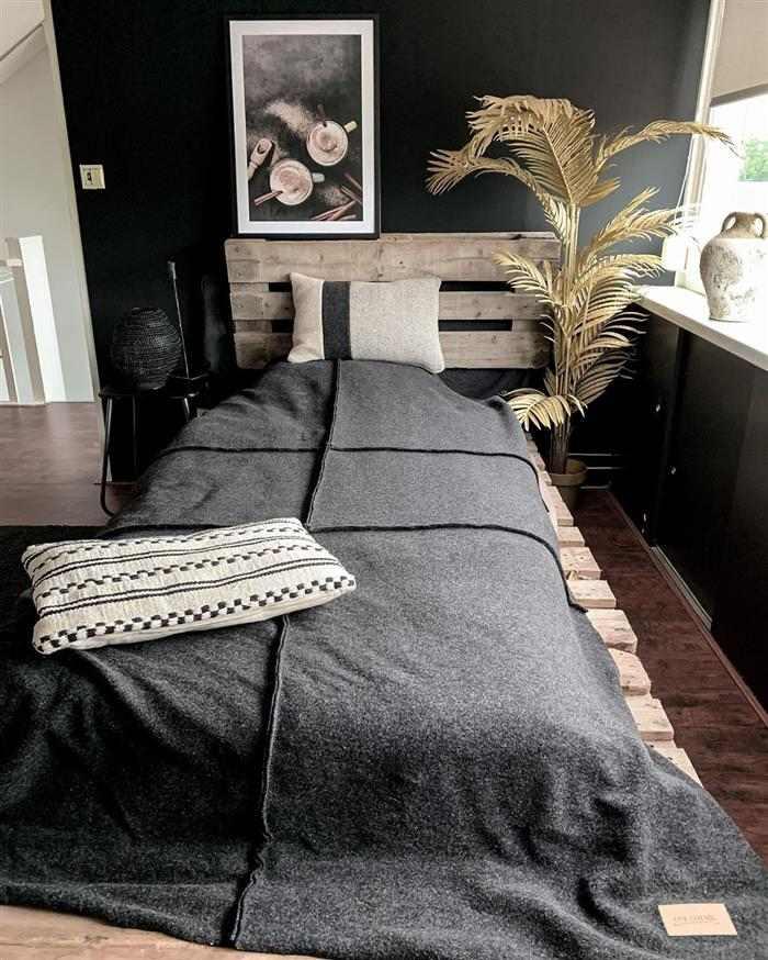 decoração para quarto de solteiro com pallet