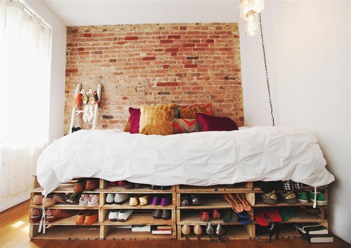 cama com suporte para sapatos