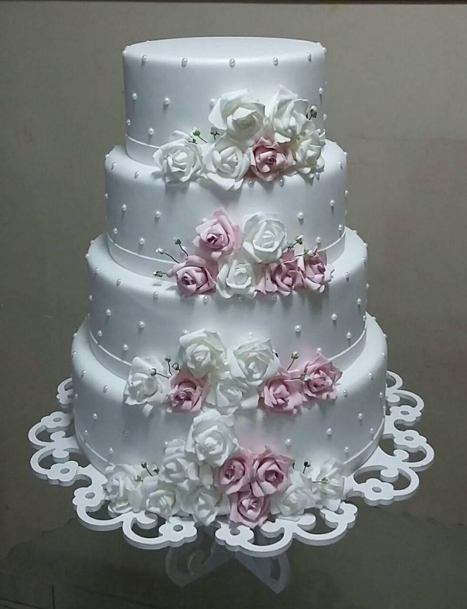 bolo lindo de 4 andares