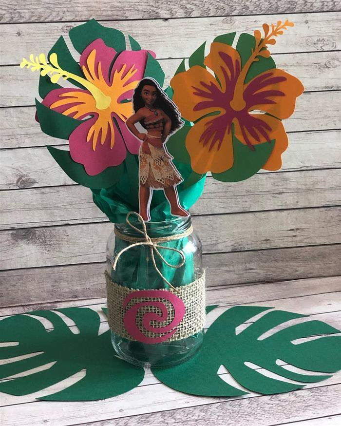 centro de mesa moana com flores
