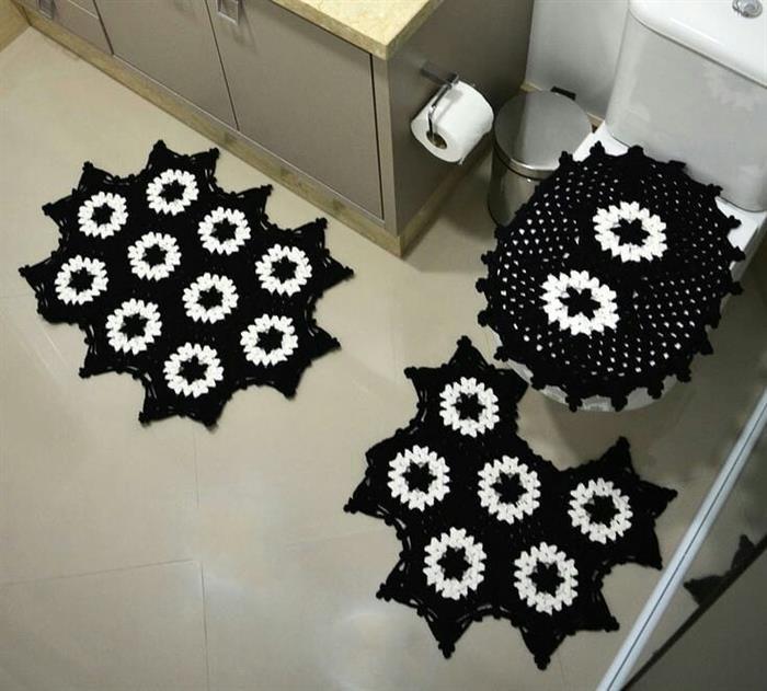 conjuntinho preto de banheiro
