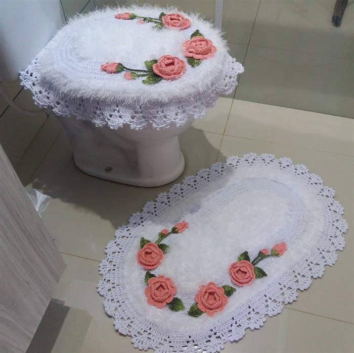 conjunto de banheiro branco
