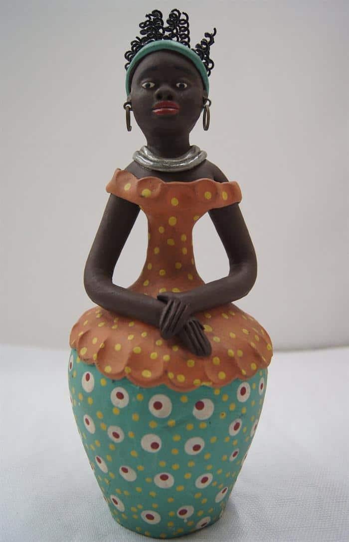 escultura-de-argila-mulher-baiana