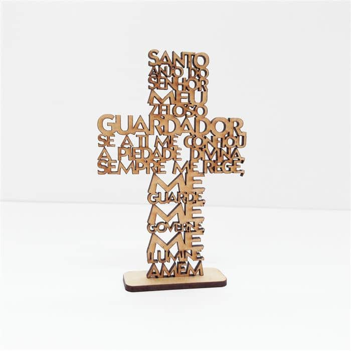 cruz de MDF cru com oração do Santo Anjo