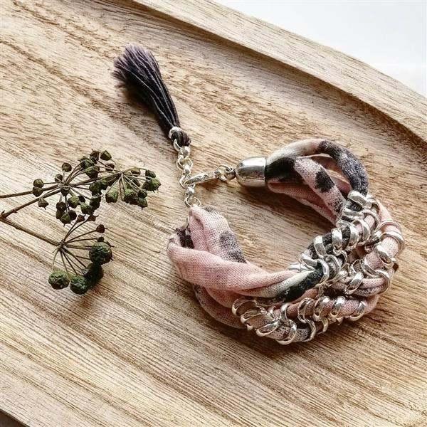 pulseira com tecido trançado