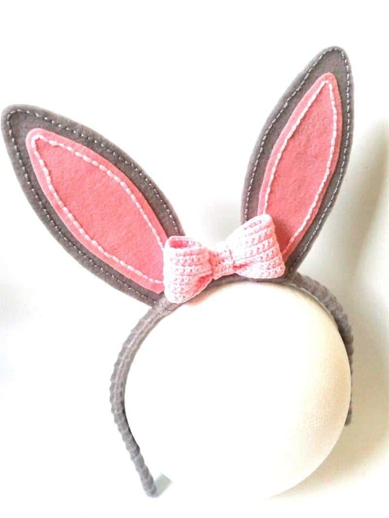 orelha de coelho em feltro cinza e rosa