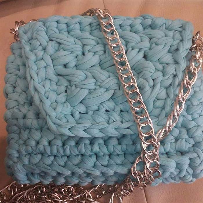 bolsa de malha com alça de metal