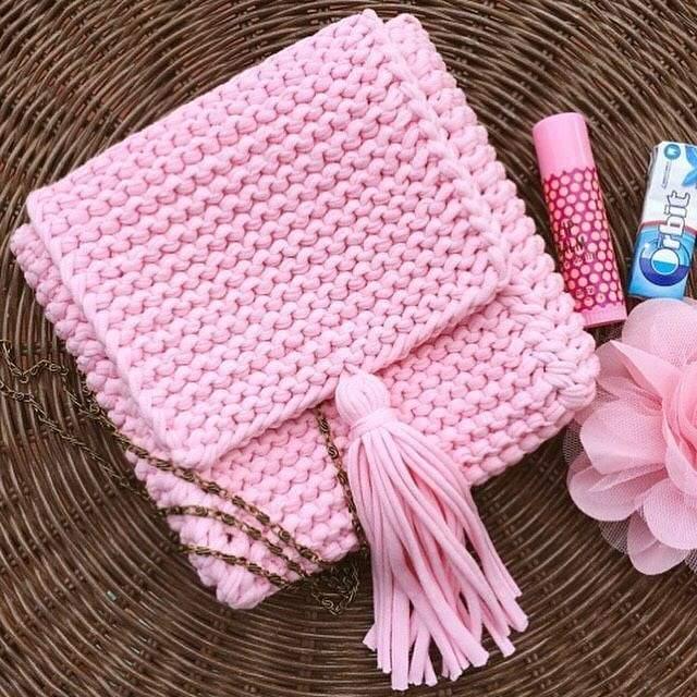 bolsa de fio de malha rosa quadrada