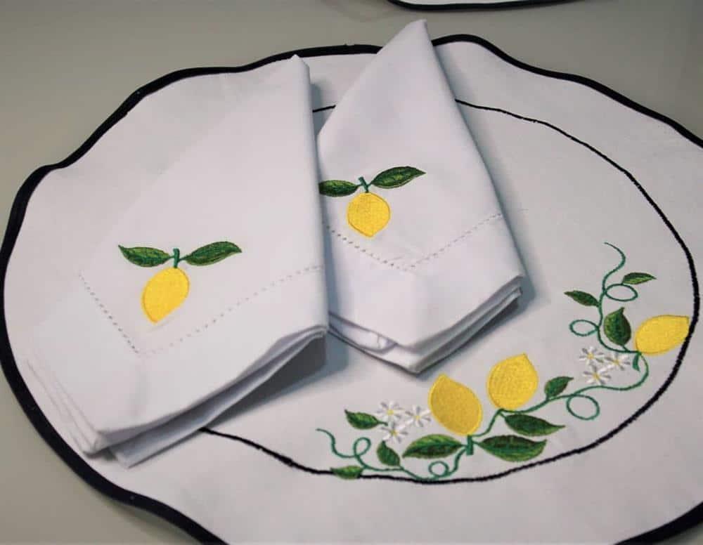 Jogo americano de tecido limão siciliano