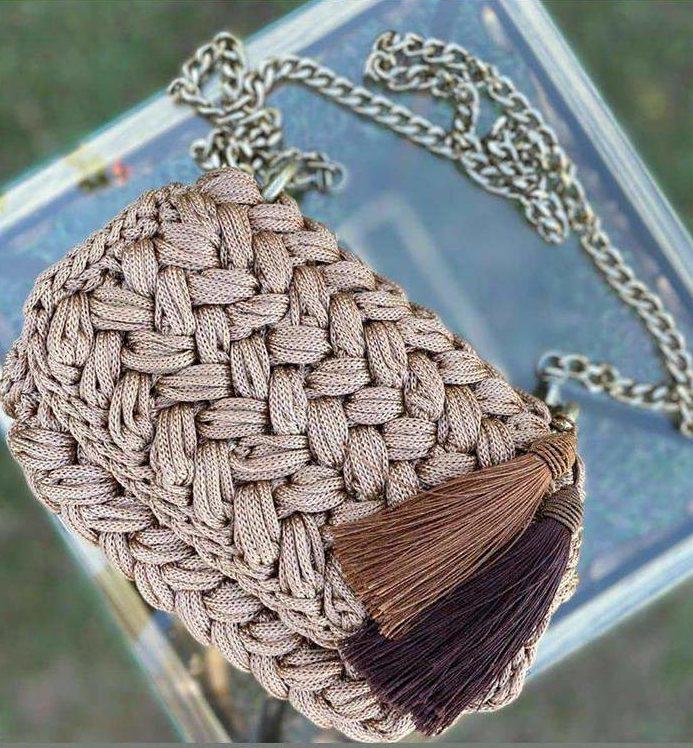 bolsa com tranças largas