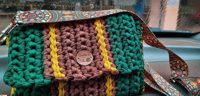bolsa colorida em malha