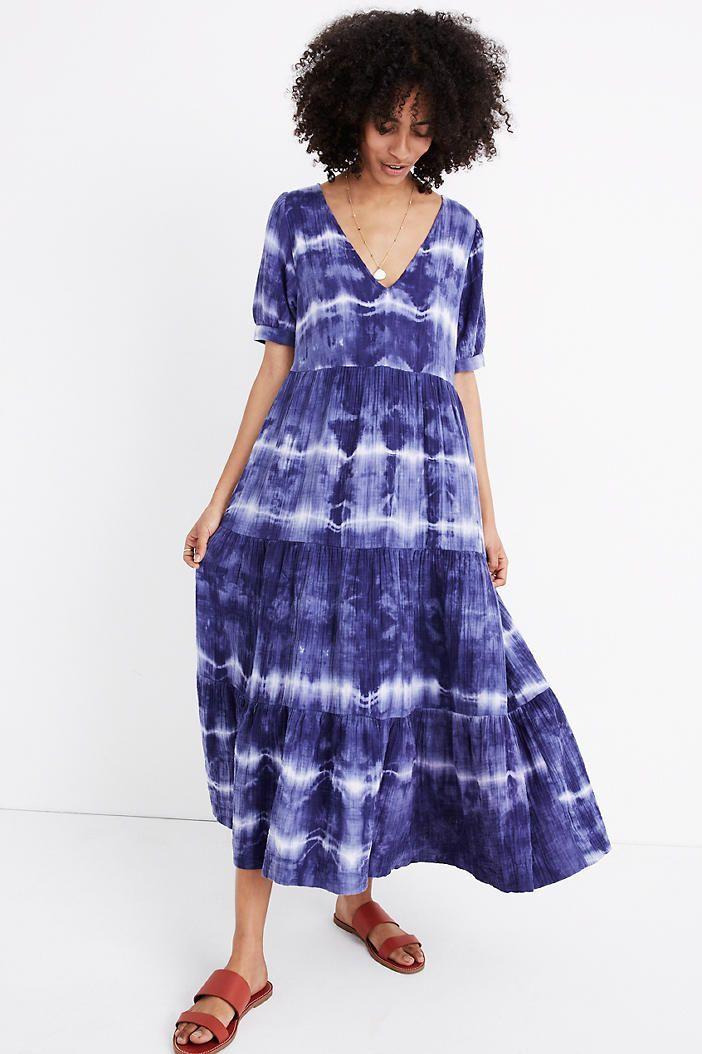 vestido tie dye azul e branco