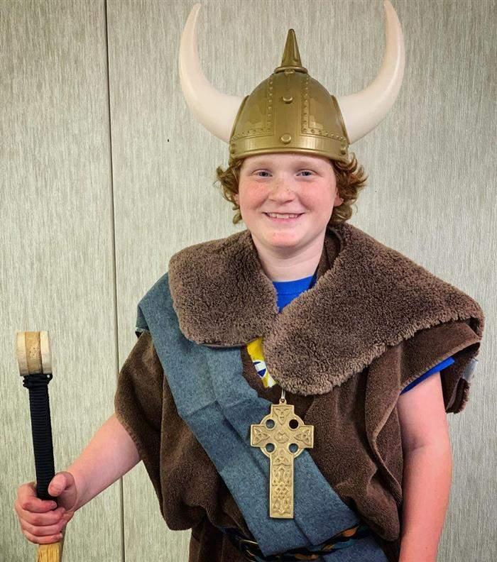 fantasia de viking infantil
