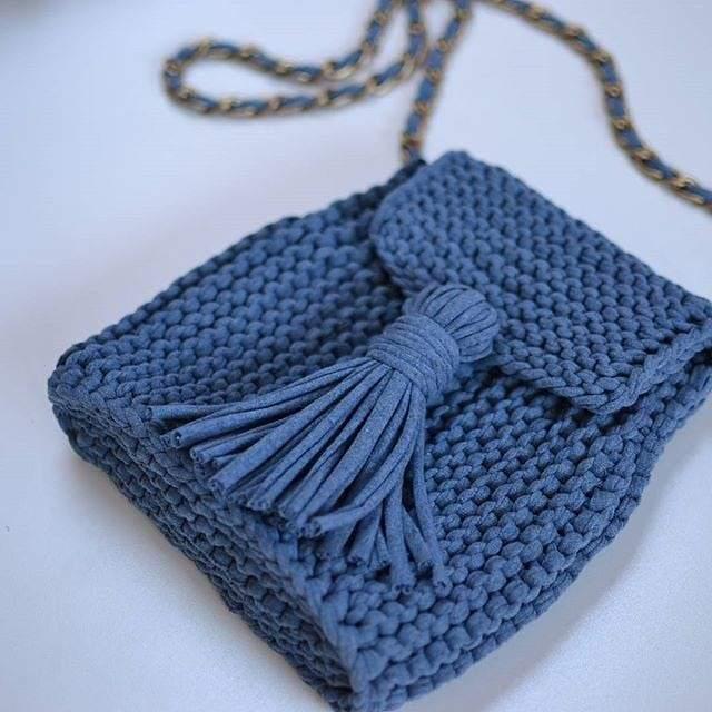 bolsa de croche fio de malha azul