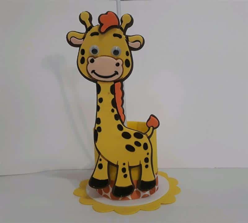 Desenho de girafa em EVA