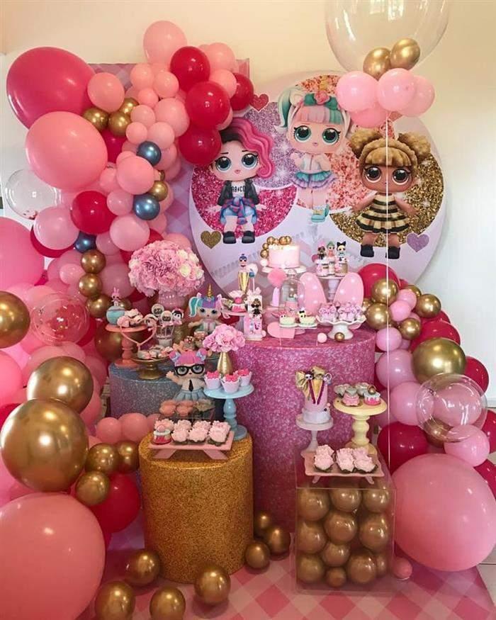 festa decorada com balões lol