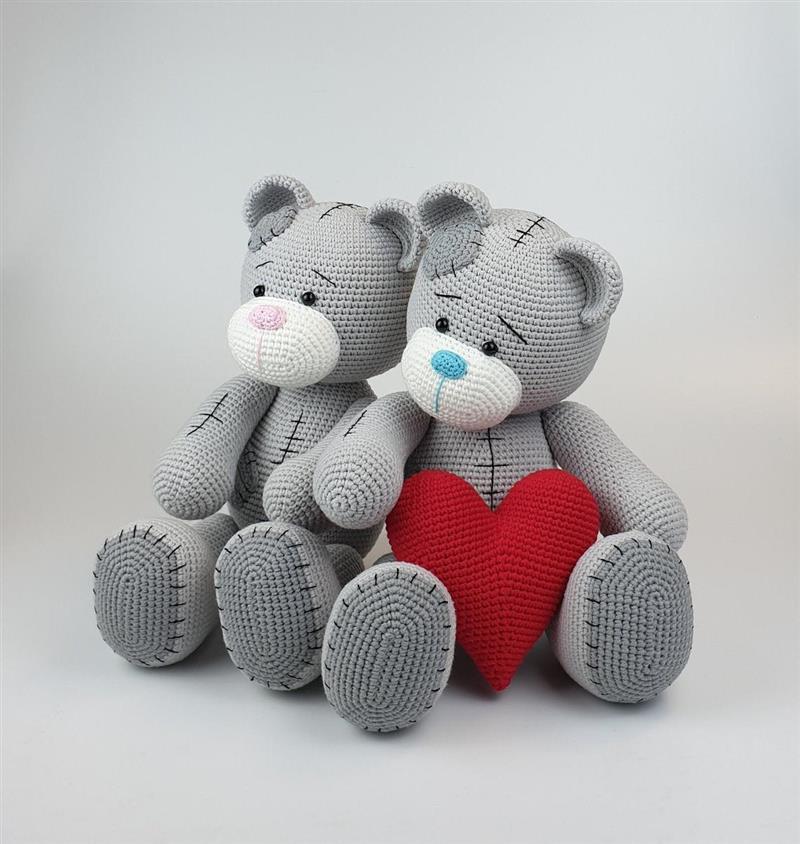 urso amigurumi cinza