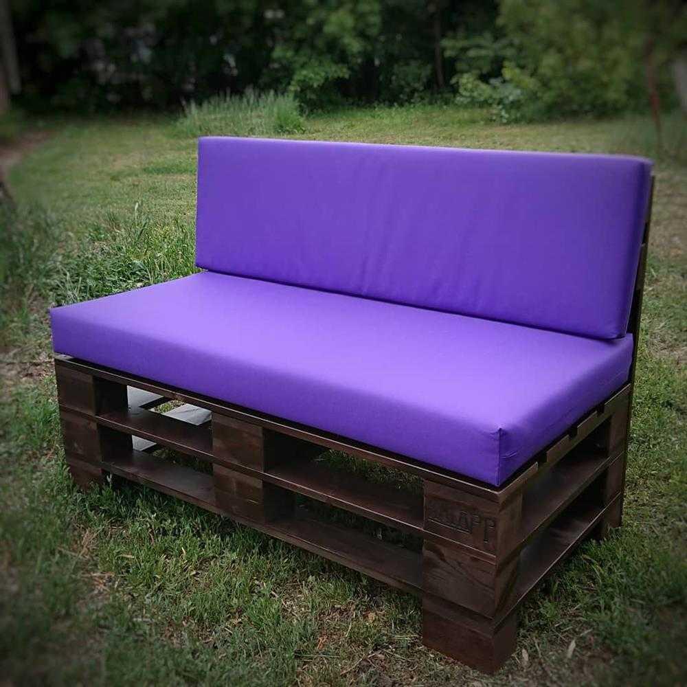 banco com estofado lilas