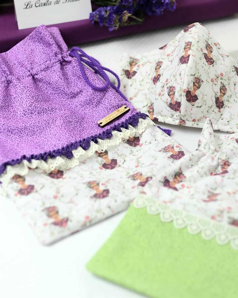 mascara de tecido com bolsinha