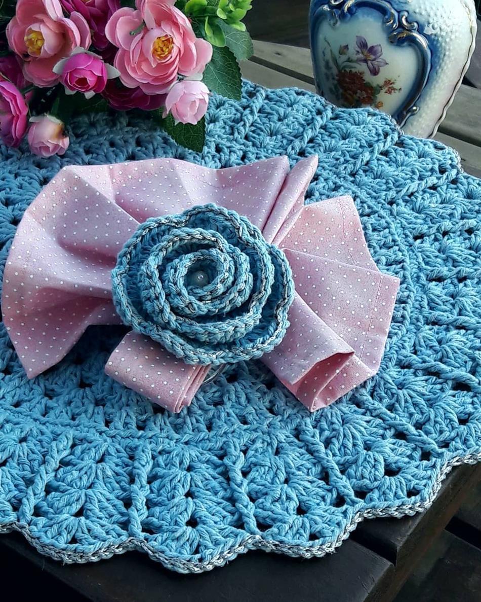 flor azul com perola