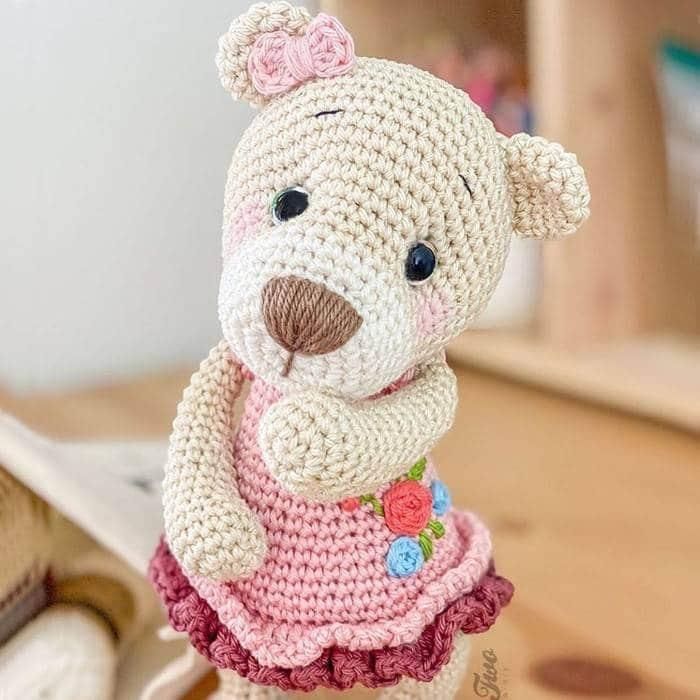 ursinha com vestidinho rosa