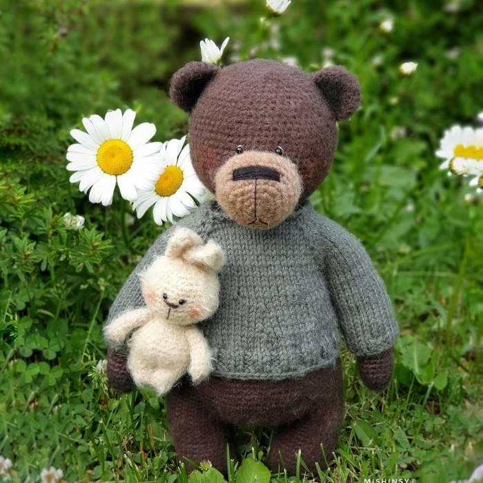 urso marrom em croche