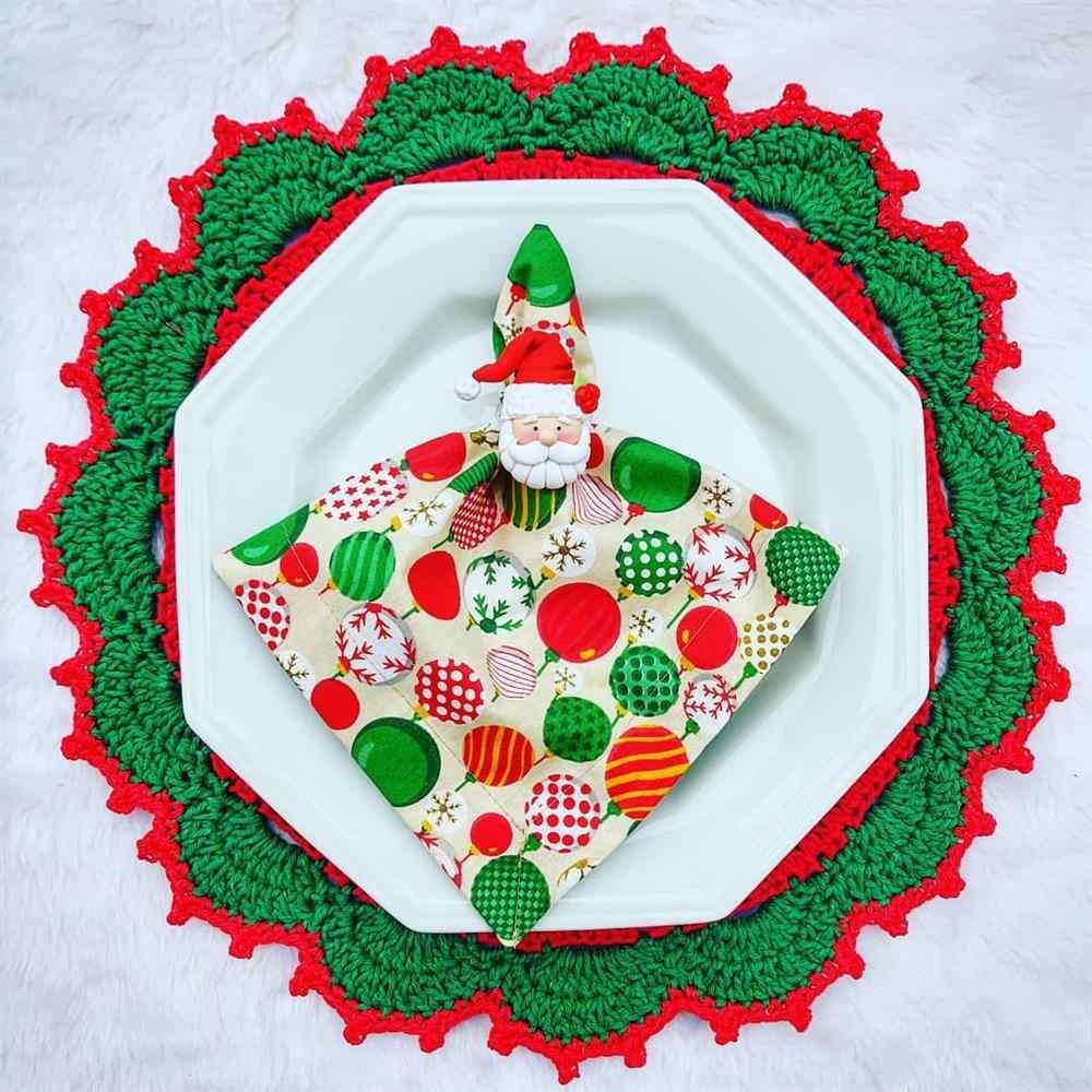 mesa de natal com sousplat