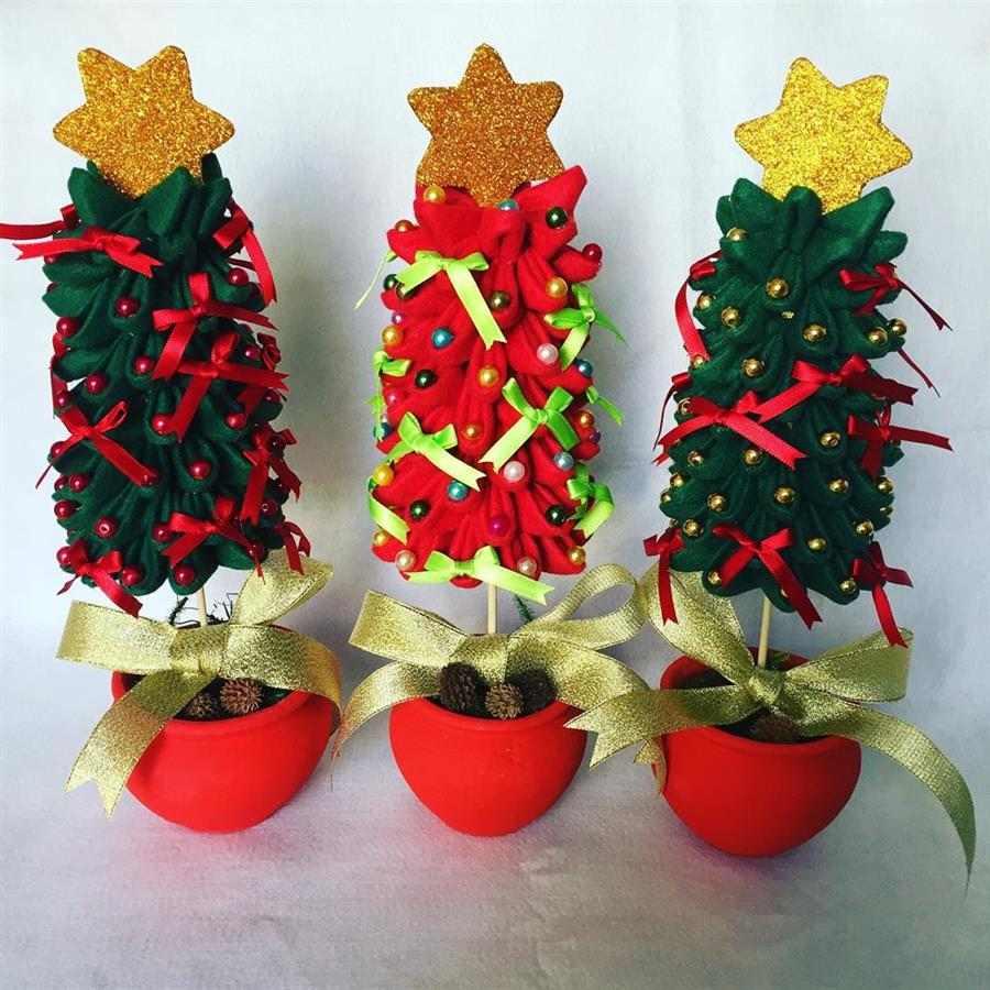 Mini árvore de Natal de feltro