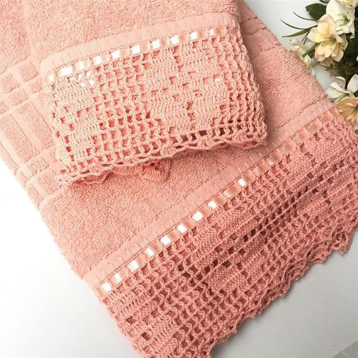 bico de crochê em toalha