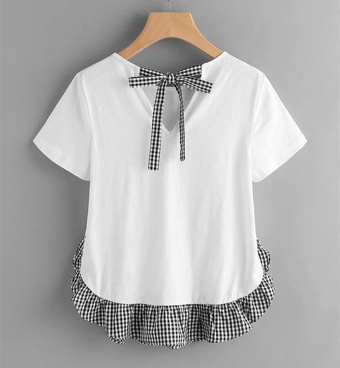 camiseta com retalho de tecido xadrez