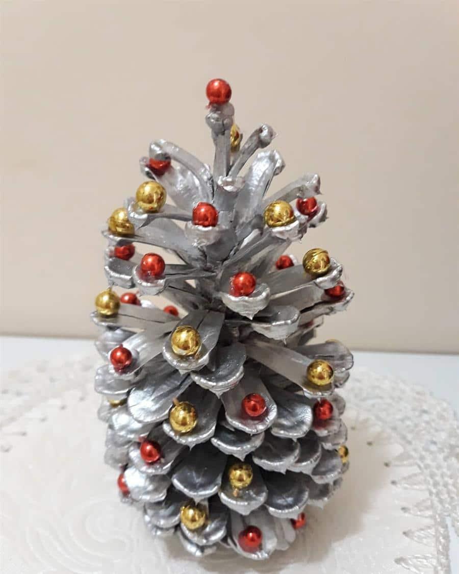 enfeites natalinos de pinha