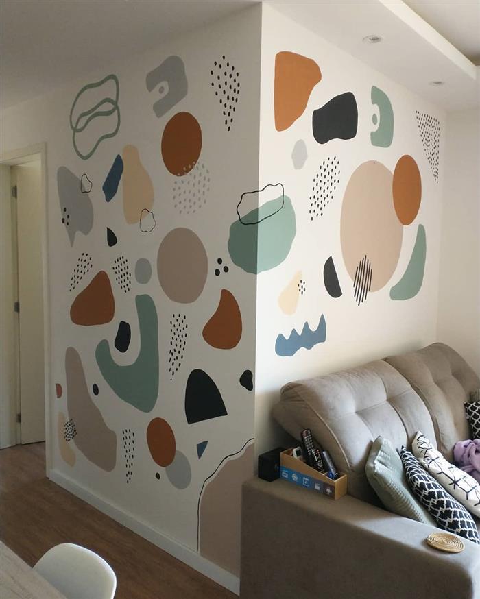 desenhos na parede da sala