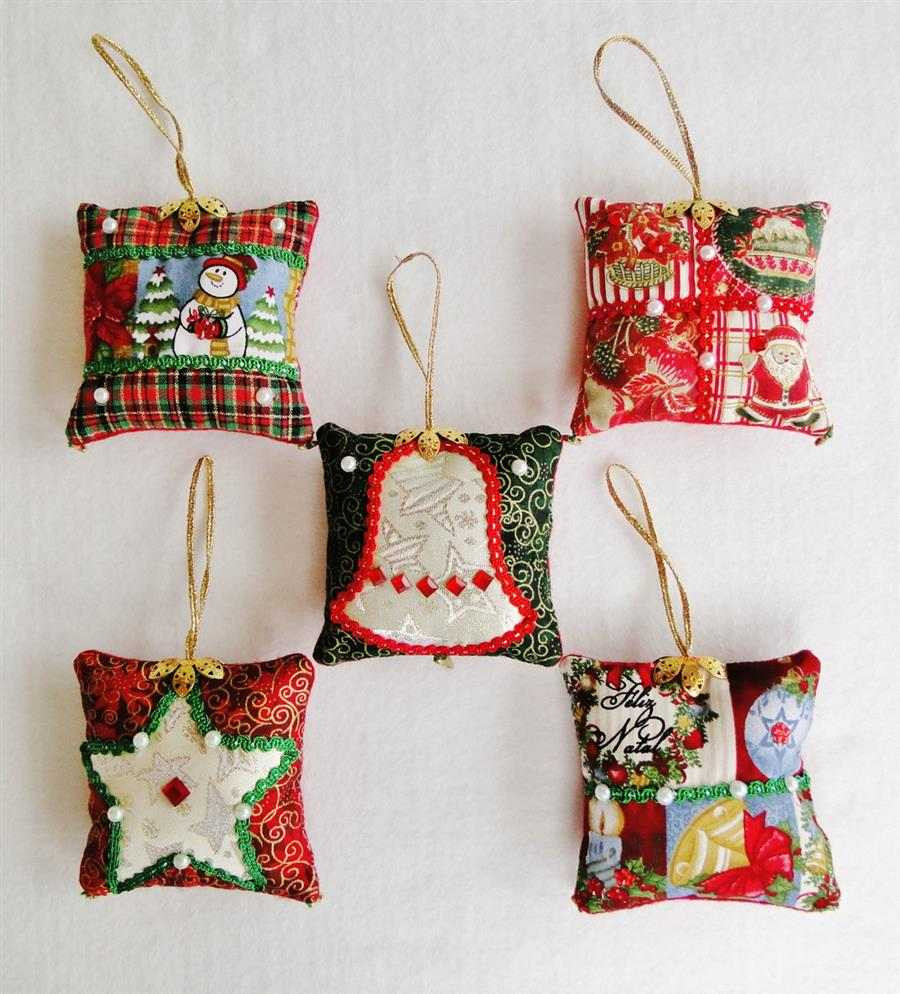 Mini almofadas de Natal em tecido
