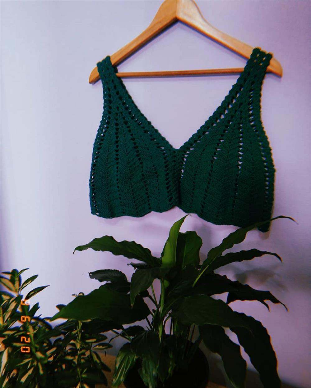 blusinhas de croche verde curta