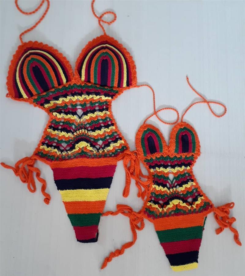 Maiô de crochê colorido