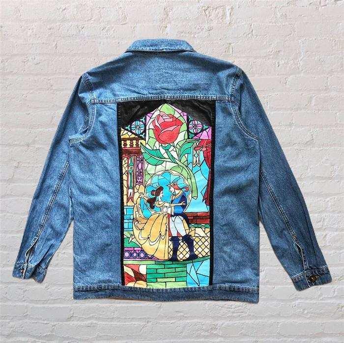 jaqueta jeans com estilo vitral