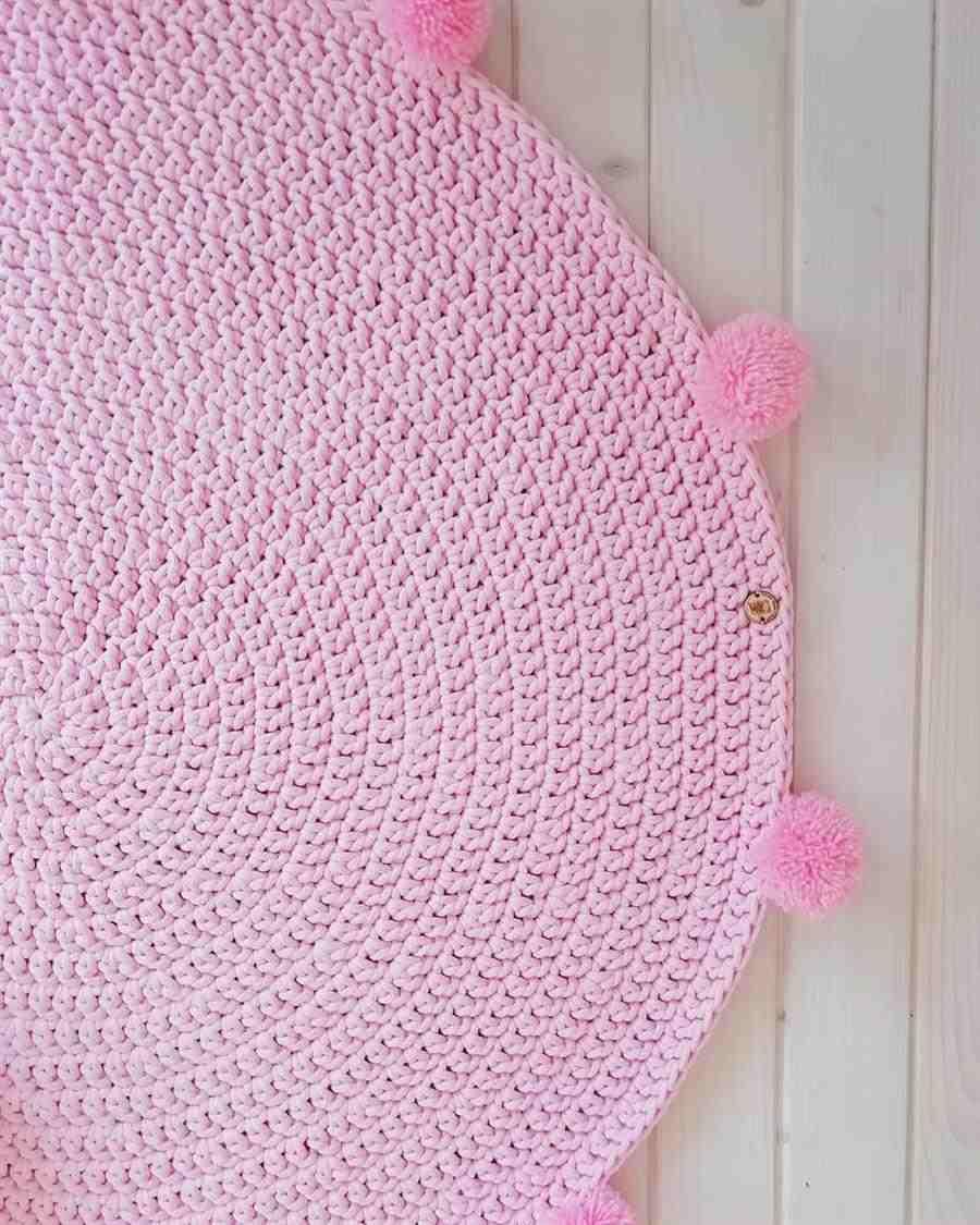 todo rosa com pompom