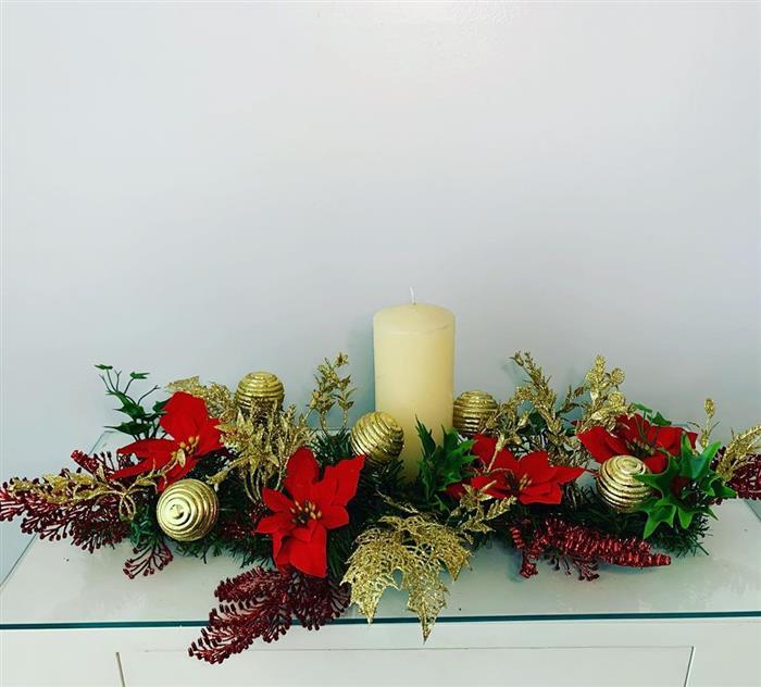 dentro de mesa decorativo para natal