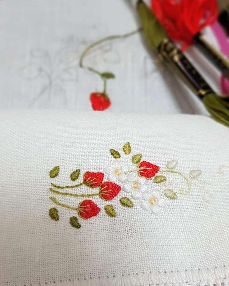 bordado ponto cheio flores