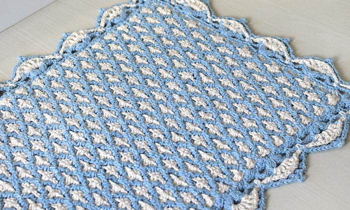 Tapete de crochê feito com barbante EuroRoma