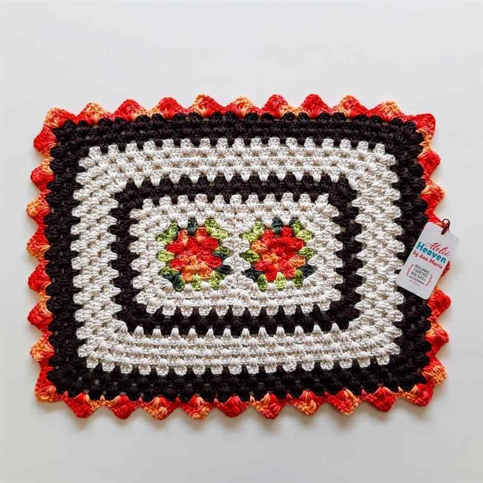 tapete de crochê retangular com flores