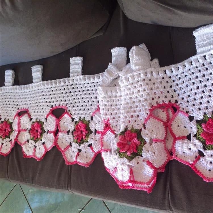branco com flores rosa