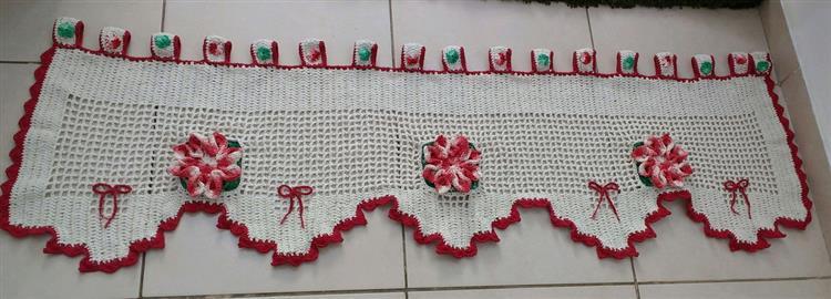 Bandô de crochê com flores