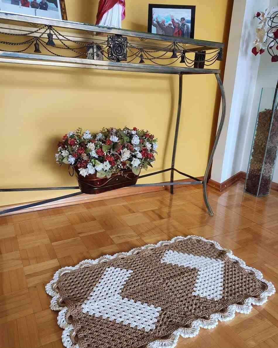 Bico de crochê para tapete retangular