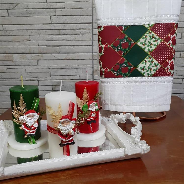 Velas natalinas coloridas