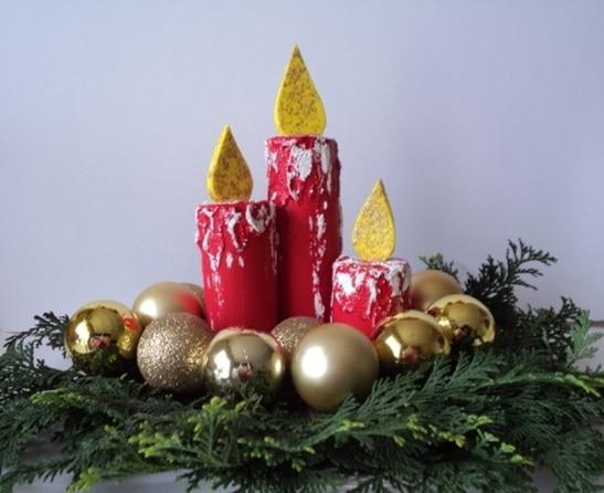 Vela de Natal feita com rolo de papel