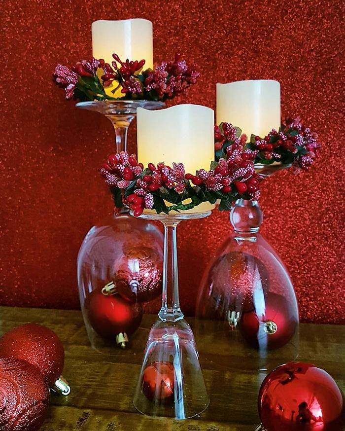 enfeite natalino com taças e vela