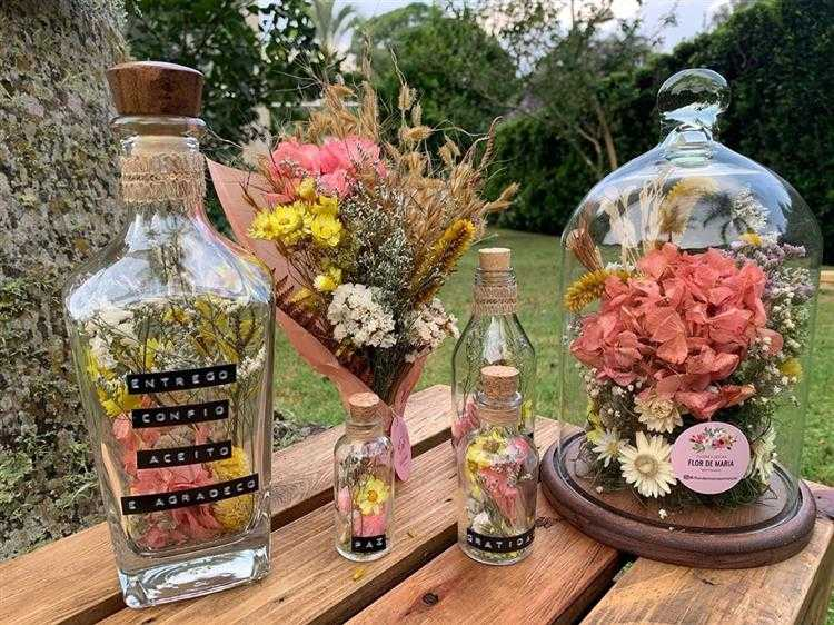 decorada com flores naturais