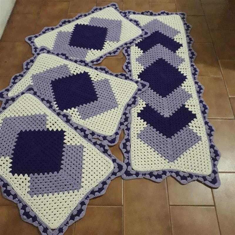 Tapetes de crochê lilas