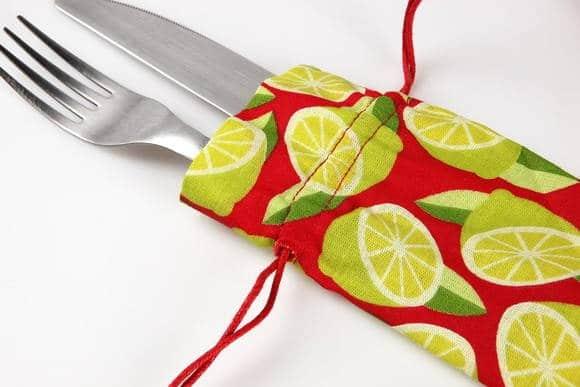 porta talher de tecido com cordão